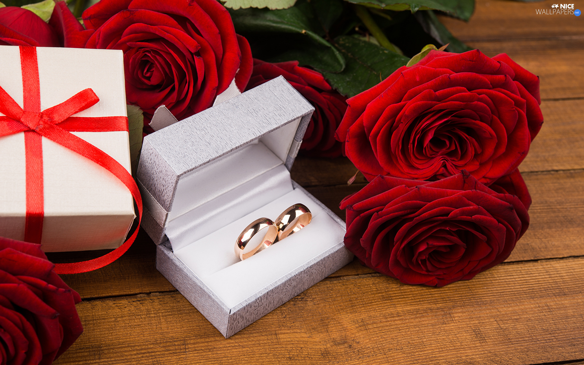 roses, Flowers, Red, bouquet, Present, boarding, rings, Box, marriage